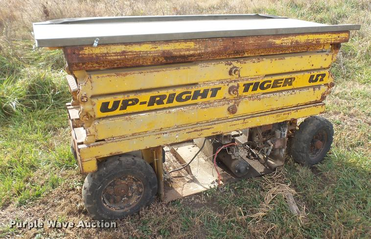 Up Right Tiger scissor lift