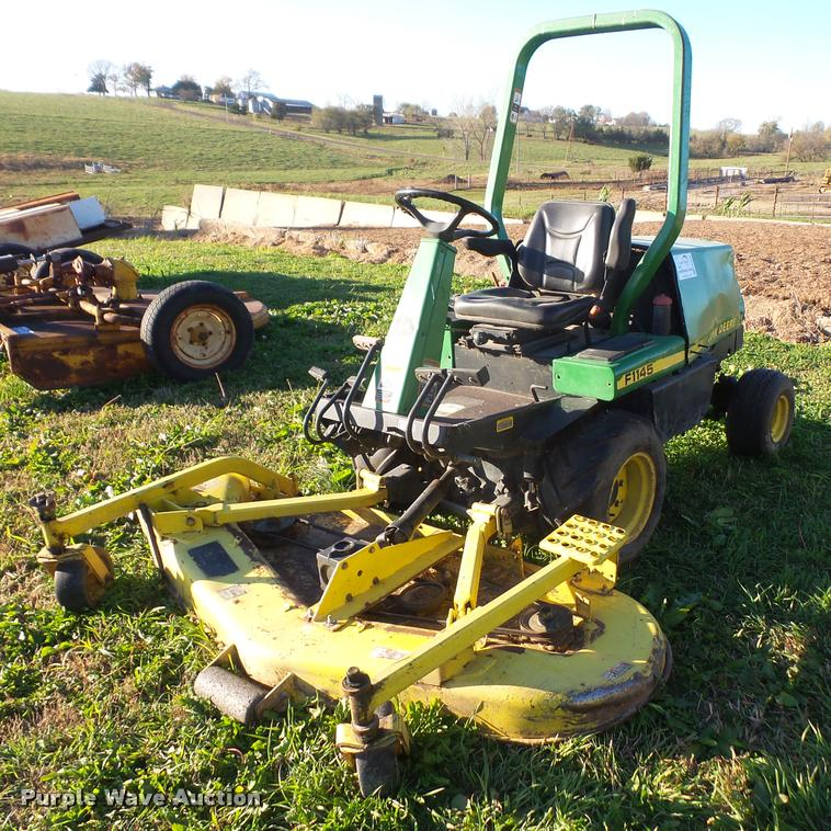 John Deere F1145 lawn mower