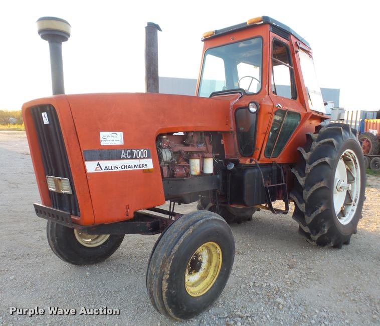 Allis Chalmers AC7000 tractor