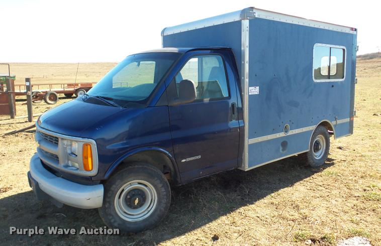 2001 Chevrolet Express 3500 delivery van