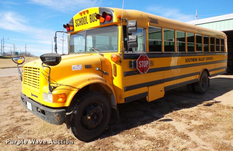 1999 International 3800 Thomas school bus