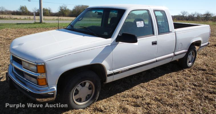 1996 Chevrolet 1500 Ext. Cab pickup truck