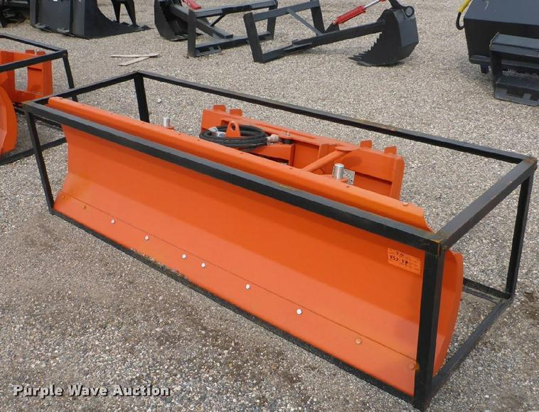 Skid steer snow plow/dozer blade