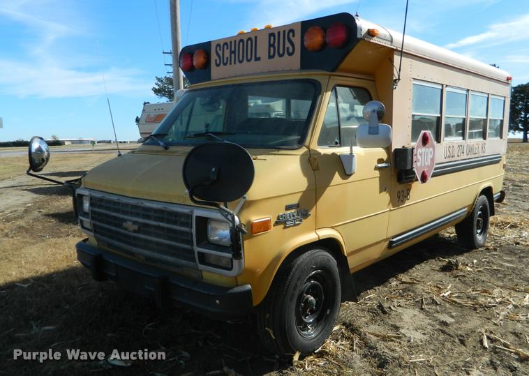 1993 Chevrolet G30 school bus