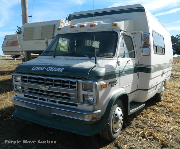 1989 Chevrolet G30 Leisure-Cruiser Travelcraft RV