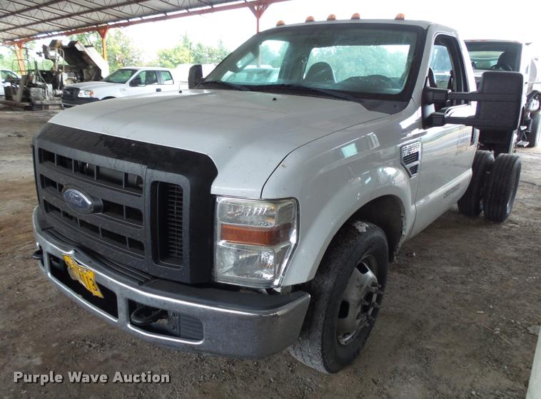 2008 Ford F350 Super Duty pickup truck cab and chassis