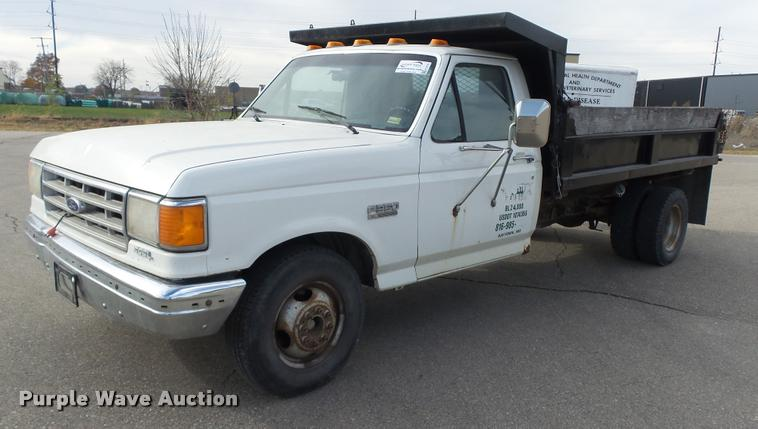 1987 Ford F350 XL dump bed pickup truck