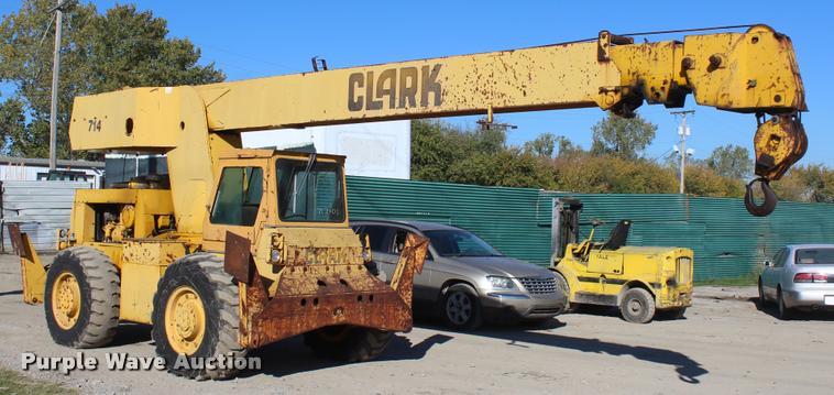 Clark 714 crane