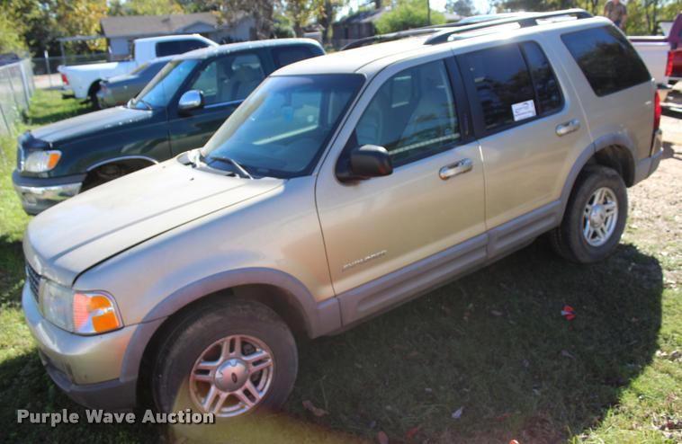 2002 Ford Explorer XLT SUV