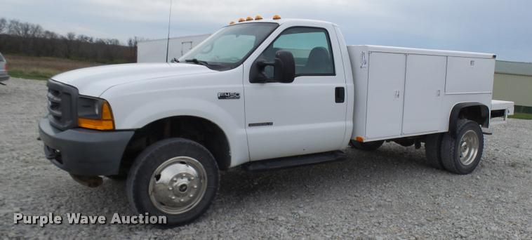 2002 Ford F450 Super Duty XL utility truck