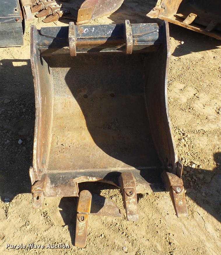 Bobcat excavator bucket