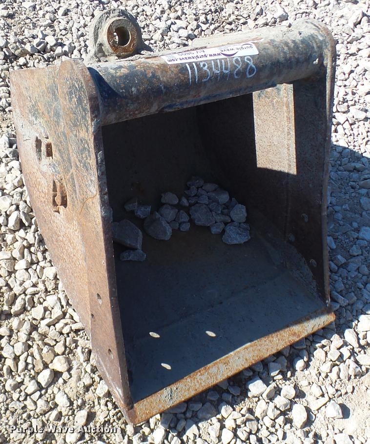 Wayne Roy excavator bucket