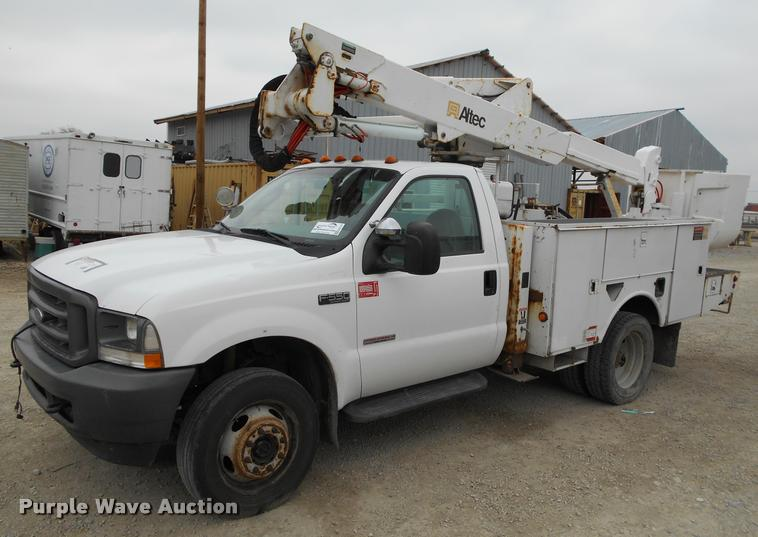 2004 Ford F550 Super Duty bucket truck