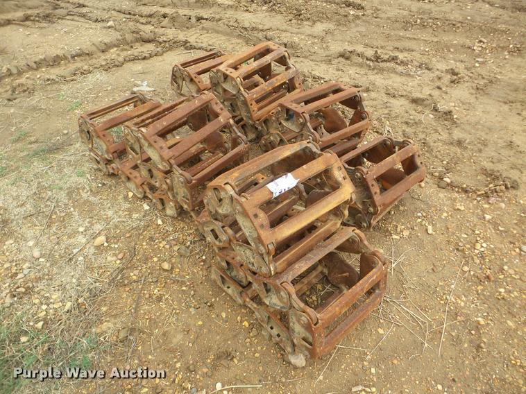 John Deere 332 tracks