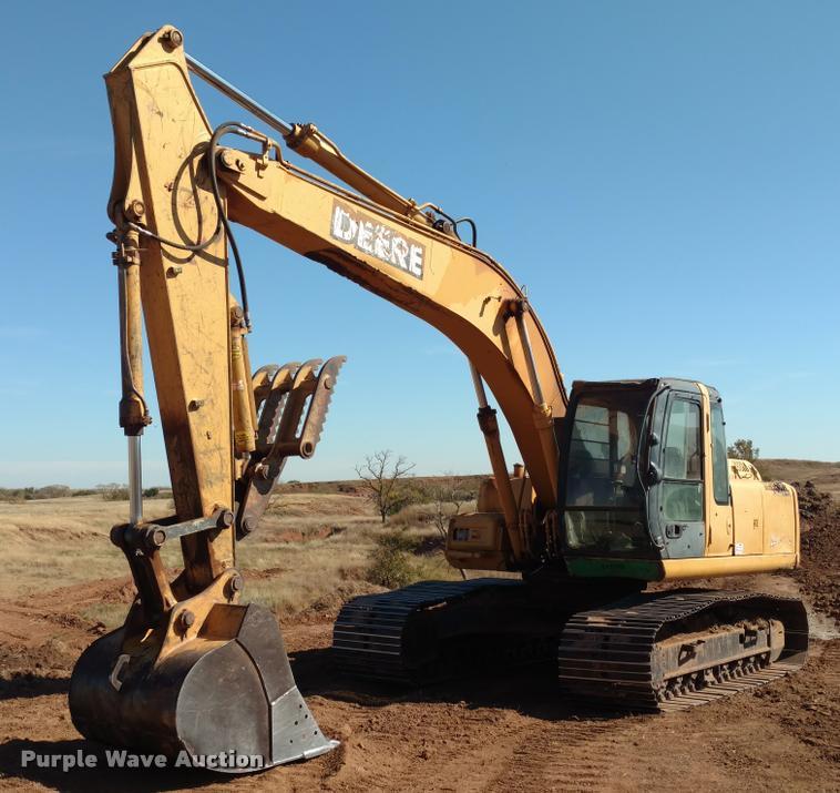 John Deere 200C LC excavator