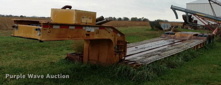 1989 Hyster lowboy equipment trailer