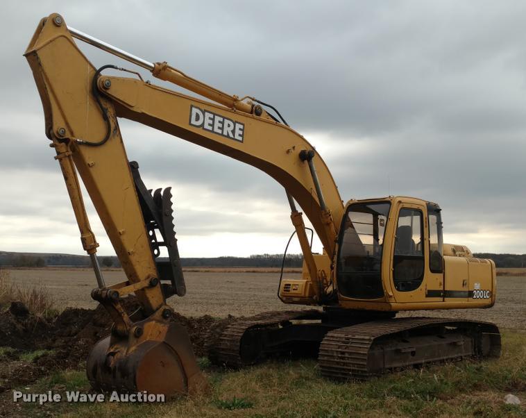 1997 John Deere 200LC excavator