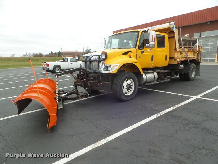 2005 International 7400 dump truck