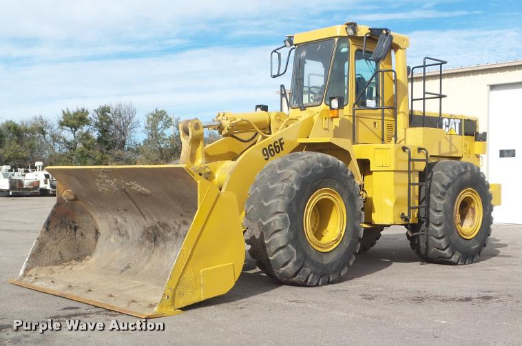 1993 Caterpillar 966F wheel loader