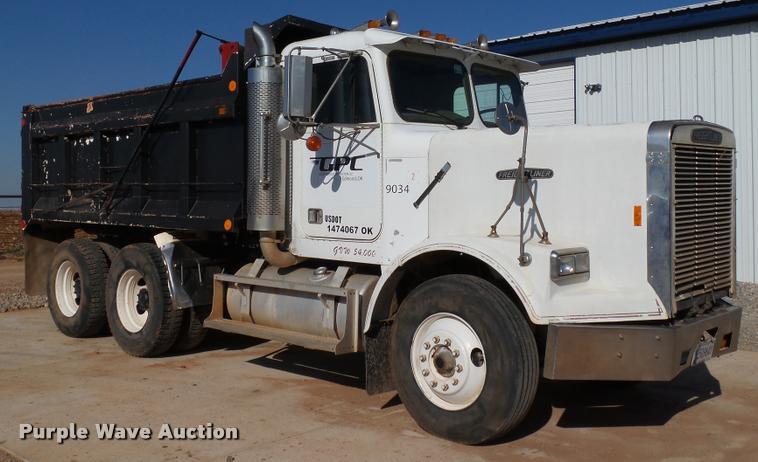 1987 Freightliner FLC-64T dump truck