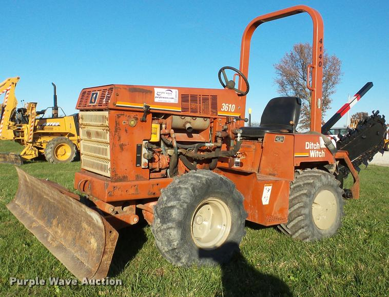 1998 Ditch Witch 3610 trencher