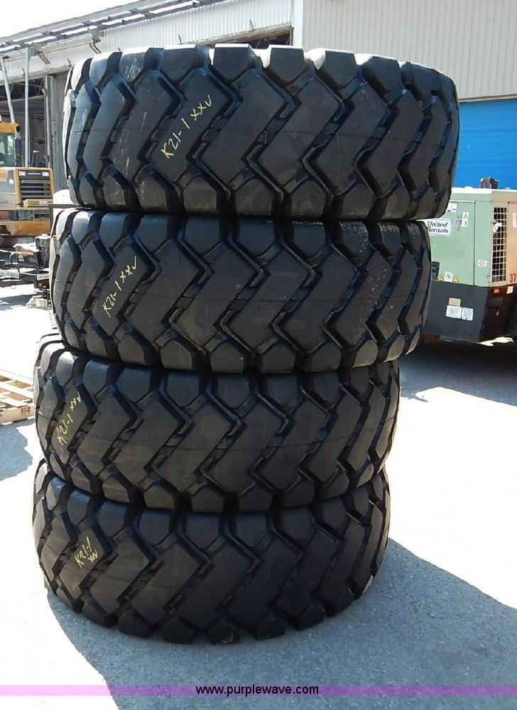 (4) Honor E-3/L3 23.5x25 loader tires