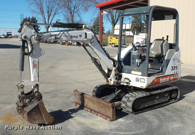 2001 Bobcat 325 compact excavator