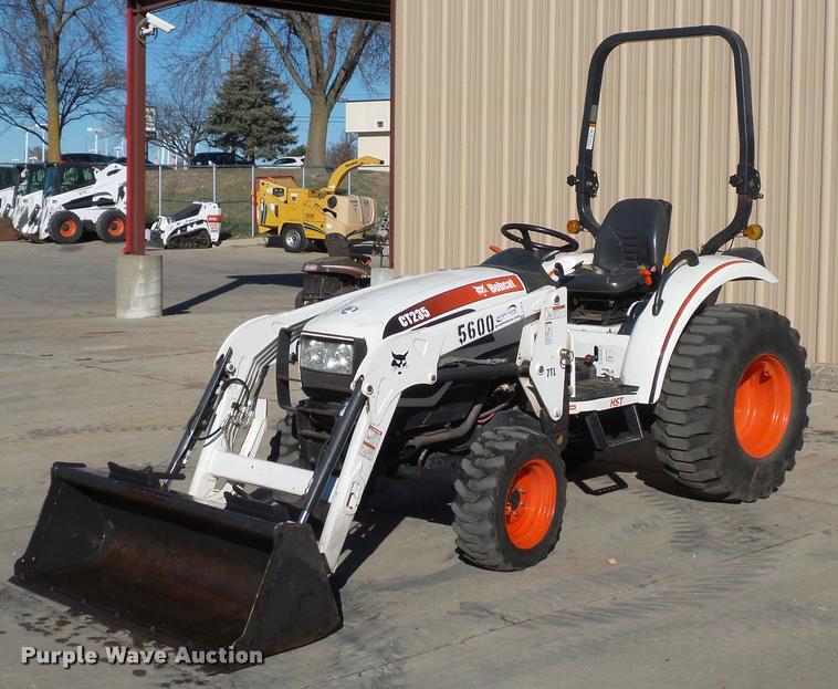 Bobcat CT235 MFWD tractor