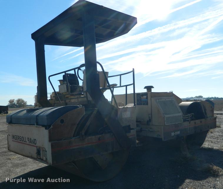 2000 Ingersoll Rand DD110HF double drum vibratory roller