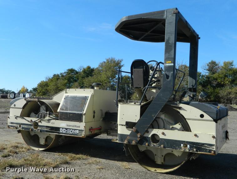 2002 Ingersoll Rand DD110HF double drum vibratory roller