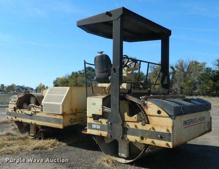 1999 Ingersoll Rand DD130 double drum vibratory roller