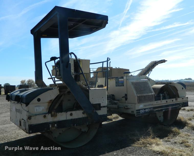 2001 Ingersoll Rand DD110HF double drum vibratory roller