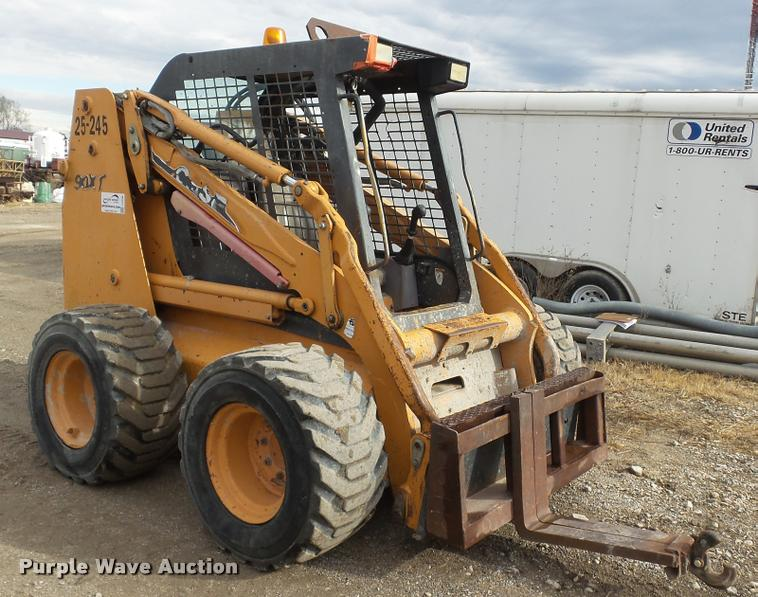 2003 Case 90XT skid steer