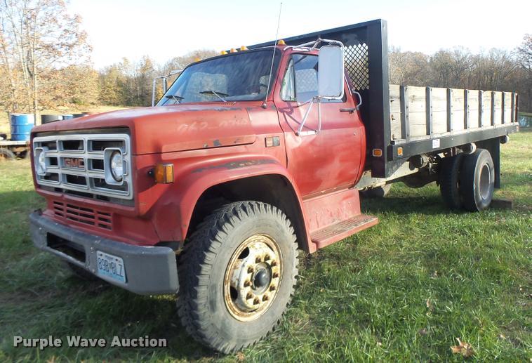 1987 GMC C7D042 dump flatbed truck