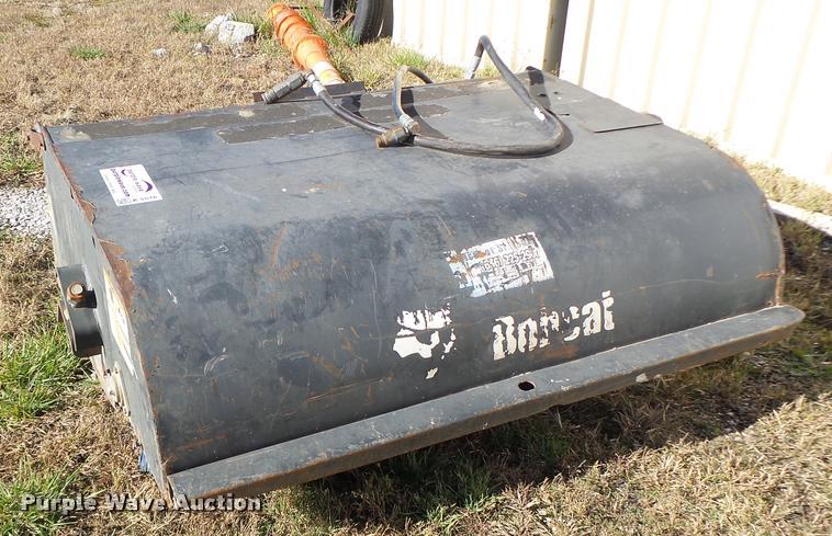 Bobcat Sweeper 60 skid steer sweeper