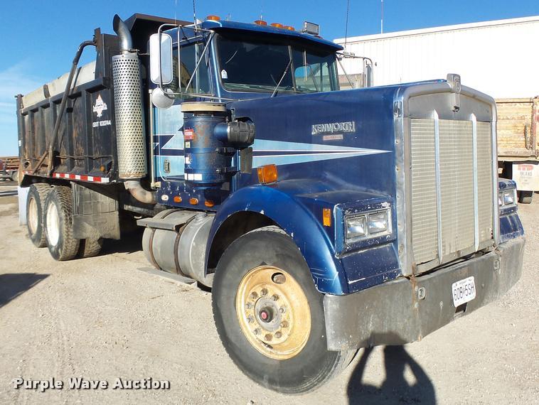 1984 Kenworth dump truck