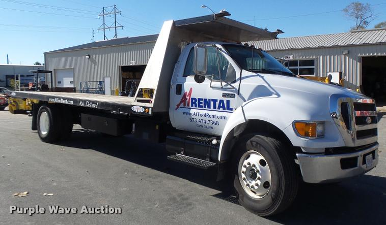 2006 Ford F750 Super Duty rollback truck