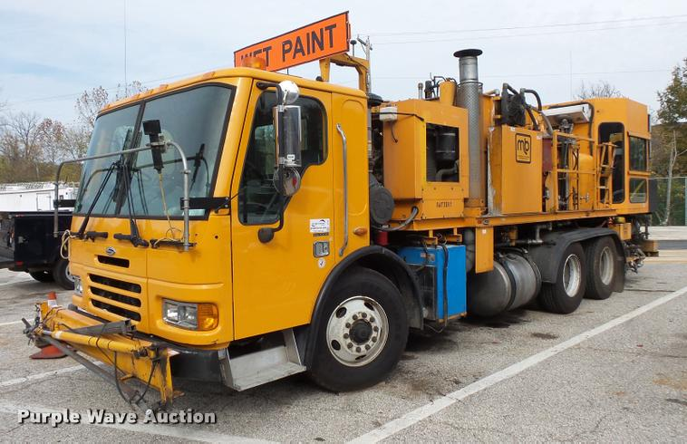 2003 Sterling Condor paint striper truck