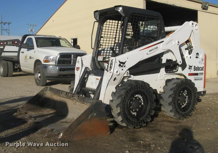 2014 Bobcat S650 skid steer