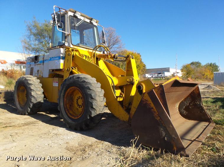 International 510 wheel loader