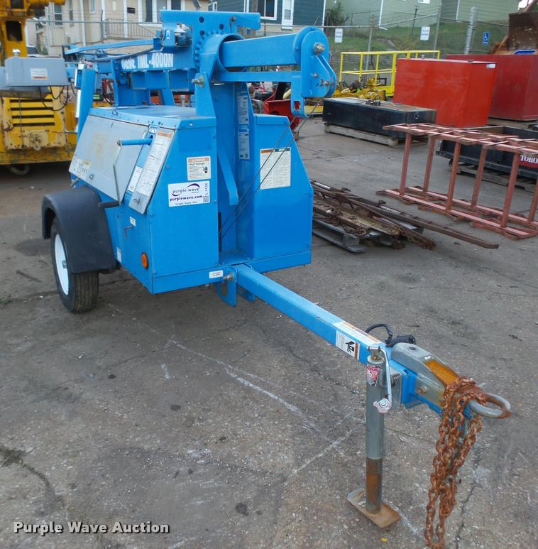 2004 Genie TML-4000N light plant