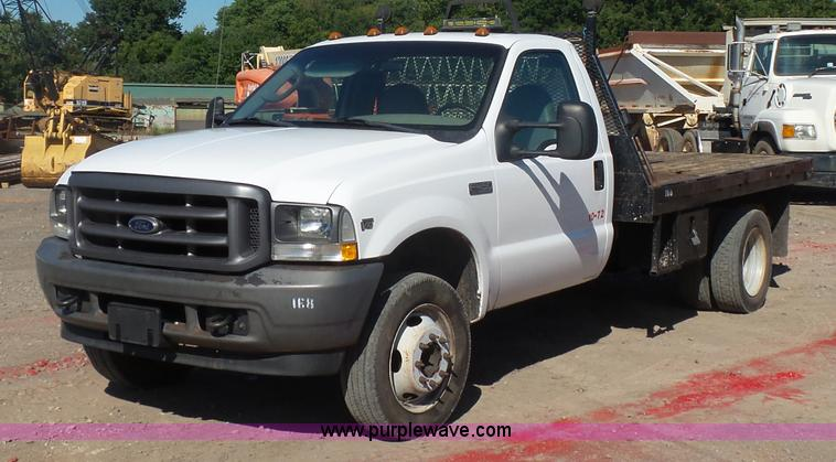 2004 Ford F450 Super Duty flatbed truck