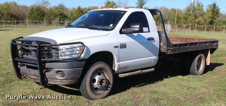 2007 Dodge Ram 3500 flatbed pickup truck