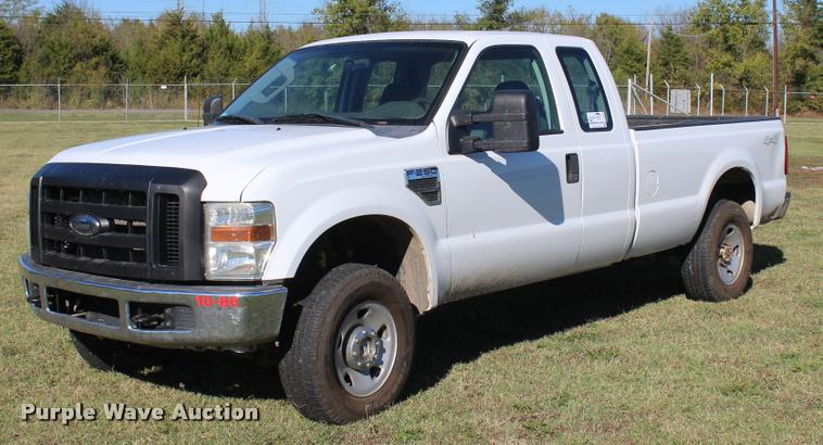 2009 Ford F250 Super Duty XL SuperCab pickup truck