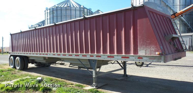 2009 Neville double hopper grain trailer