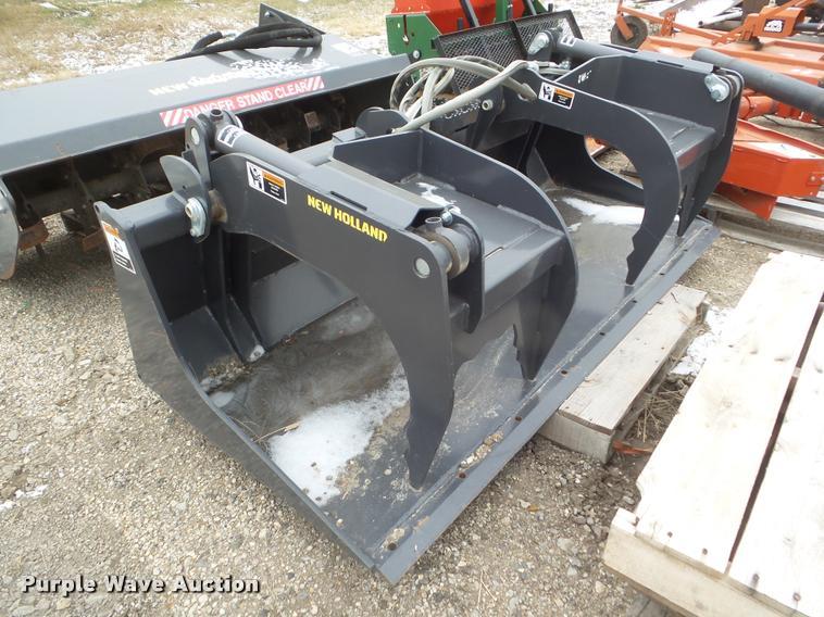 2011 New Holland scrap grapple