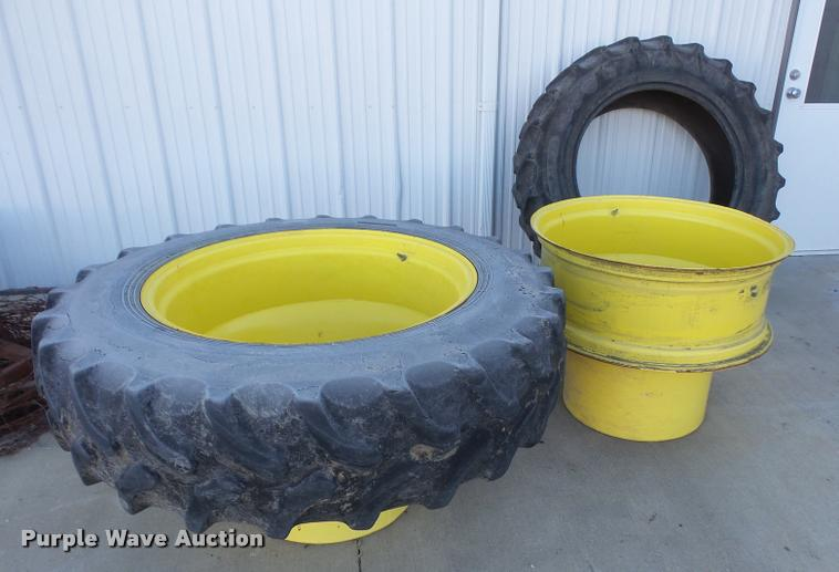 (2) 380/85R34 tires and dual wheel hubs