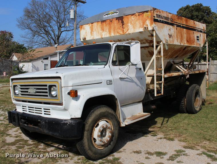 1982 Chevrolet C70 tender truck