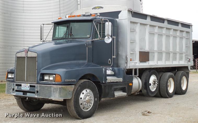 1989 Kenworth T600 grain truck