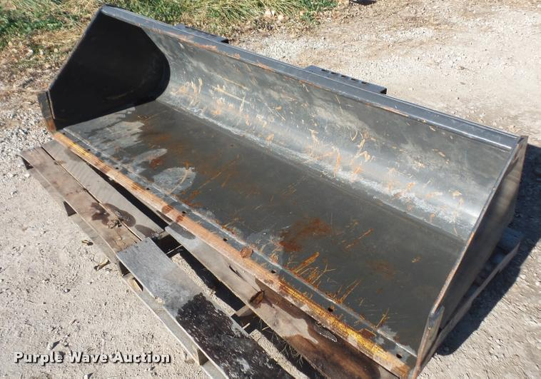 CNH skid steer bucket